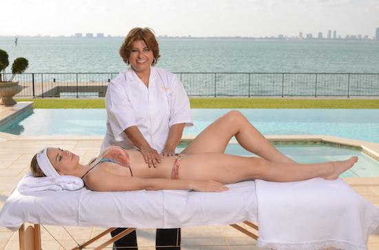 En el Gloria Hincapie Spa, esta empresaria exitosa transforma cuerpos con sus propias manos.