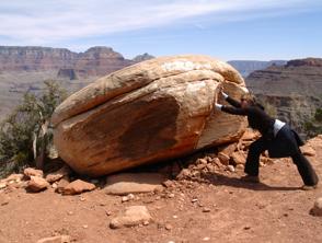 Para superar la adversidad es importante establecer objetivos realistas. Photo credit: www.ywwg.com