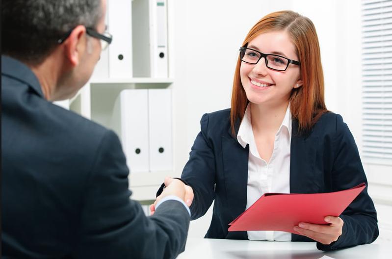 Recuerda preparar preguntas antes de la entrevista de trabajo- Photo Credit: webadictos.com
