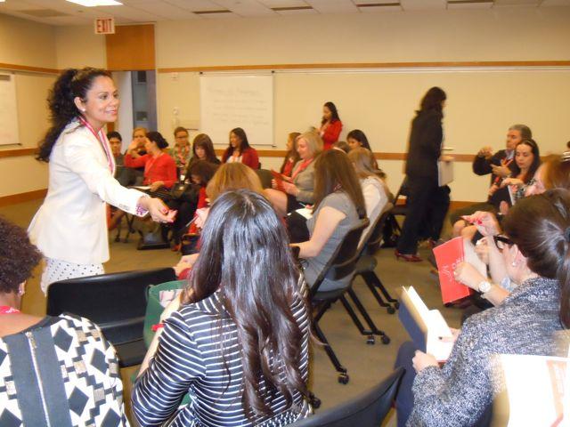 Dinámicas de liderazgo grupales. En la foto, Teresa Correa, Embajadora y Facilitadora del RSM | Dinámicas sobre liderazgo