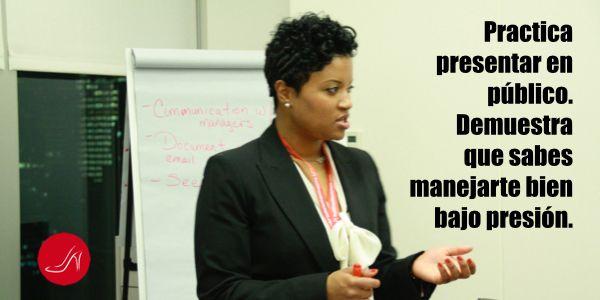 Un aspecto importante para desarrollar presencia ejecutiva es aprender a manejar la presión. | Frase motivadora sobre Presentar en Publico