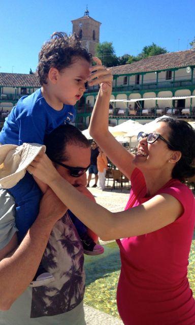 Ana, Mario y Leo, protagonistas de este blog sobre madres que trabajan. No dejes de leer estas estrategias para mamás que trabajan!