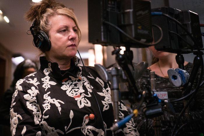 La empatía con su equipo y los actores es uno de los aspectos que distingue a Rosemary Rodriguez como directora de cine y TV.