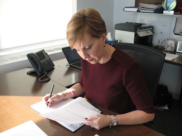 Deborah Gillis trabaja duro para la equidad