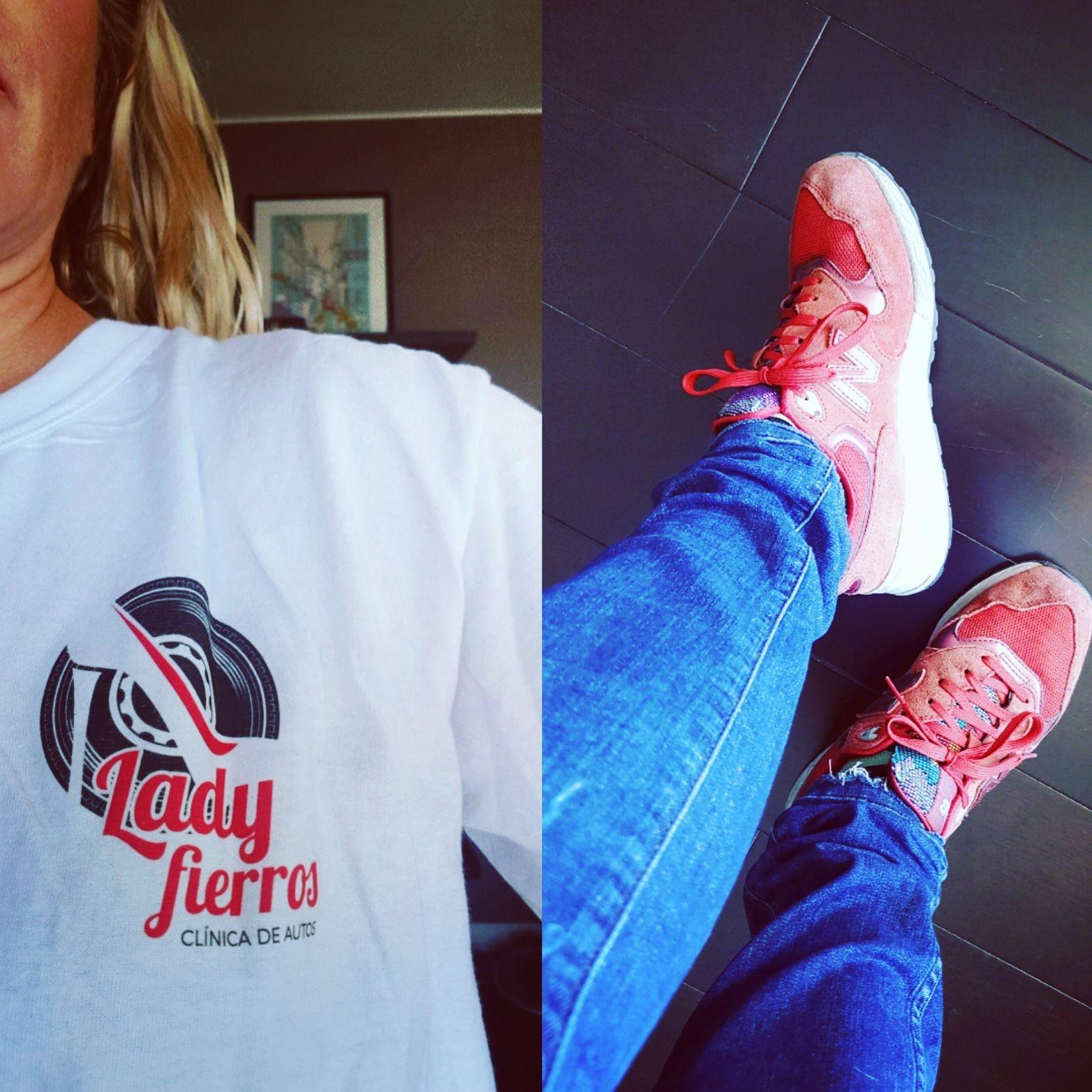 Lady Fierros apoya #RedShoeTuesday desde su lugar de influencia. Bravo!