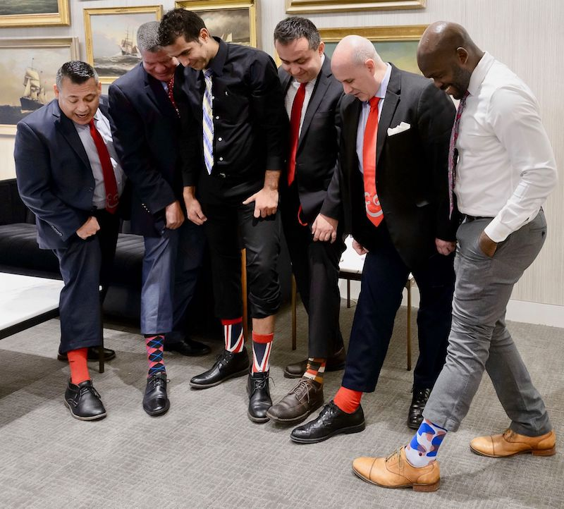 Nuestros aliados encuentran maneras creativas de demostrar su apoyo a #RedShoeTuesday