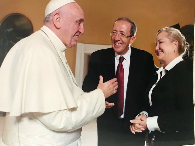 Cynthia Hudson y el Papa Francisco