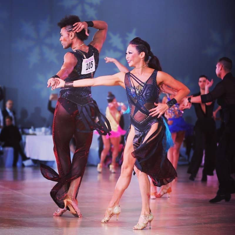 Aprende cuándo liderar y cuándo seguir de estos bailarines- Photo Credit Ryan Kenner Photography